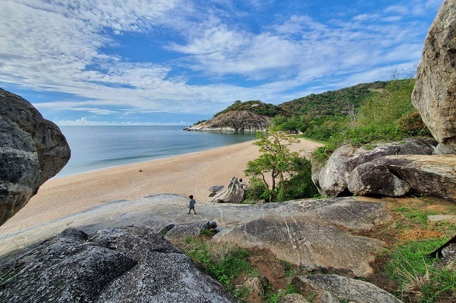The Most Beautiful Beach In Hua Hin For Families With Kids